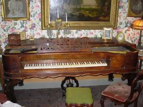 """A """"square"""" grand piano 2"""