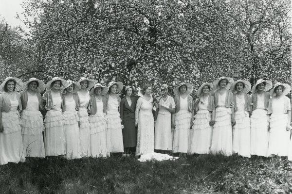 alrs_griggs_winchester_apple-blossum-festival-1930s